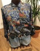 kobaltowa koszula w kwiaty...