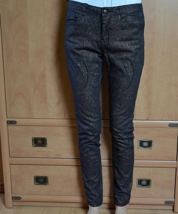 Spodnie wzór vintage Lefities...