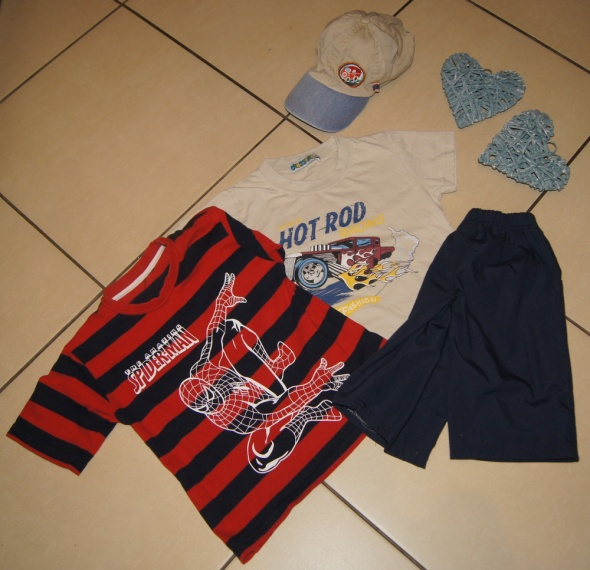 Zestaw chłopiec koszulki spodenki Spiderman roz 98