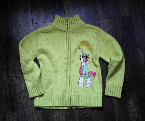 Sweterek zielony rozpinany 140