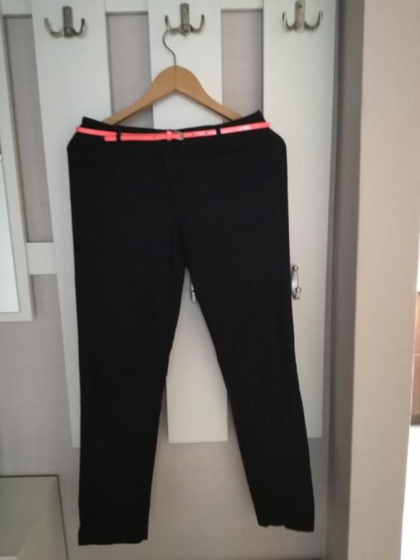Spodnie Czarne casualowe spodnie Camaieu 34