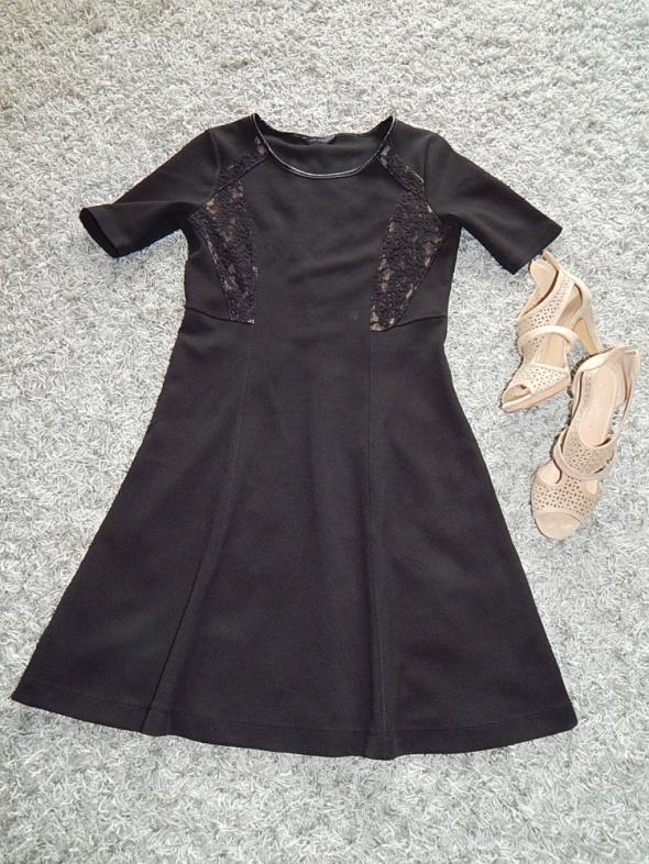 czarna sukieneczka r40...