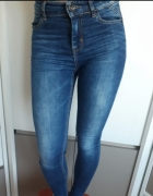 Ciemne jeansy...