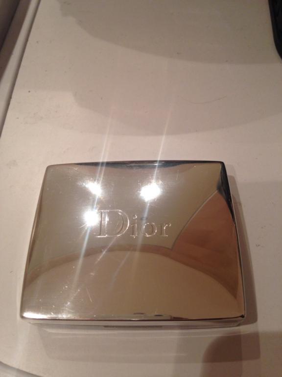 Puder rozświetlający Dior...
