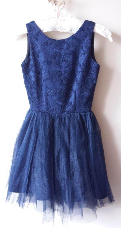 Cudowna sukienka tiulowa wycięte plecy elegancka