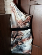 Wyjątkowa sukienka lipsy london zip na jedno ramię...
