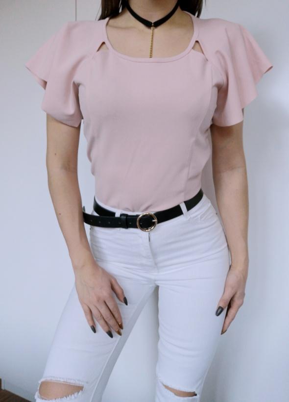 bluzka z falbaną motylek ozdobny rękaw różowa pudrowy róż house S 36 wycięcia