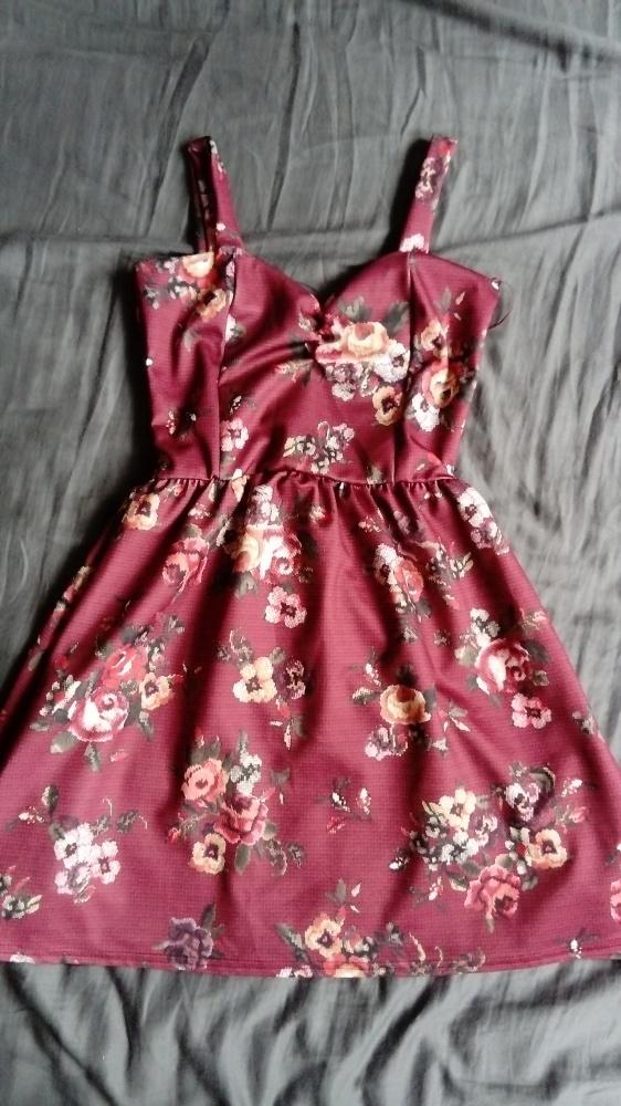 Sukienka rozkloszowana taliowana gumka floral