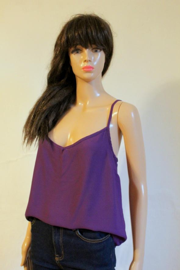 Fioletowa lejąca bluzeczka na ramiączkach mgiełka r M...