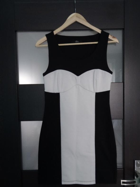 Sukienka mini biało czarna rozmiar 36...