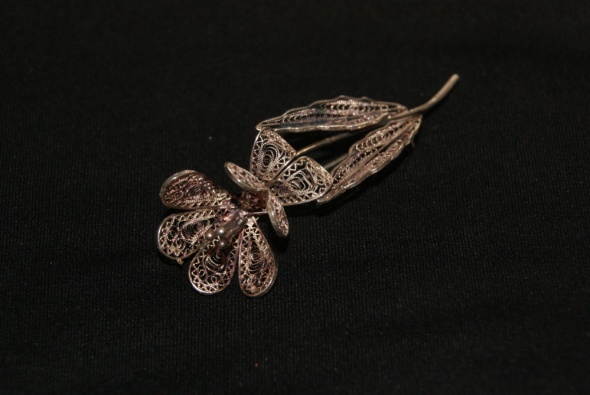 Srebrna broszka kwiat filigran