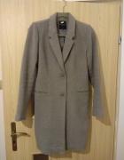 Szary płaszcz MOHITO na jesieńzimę...
