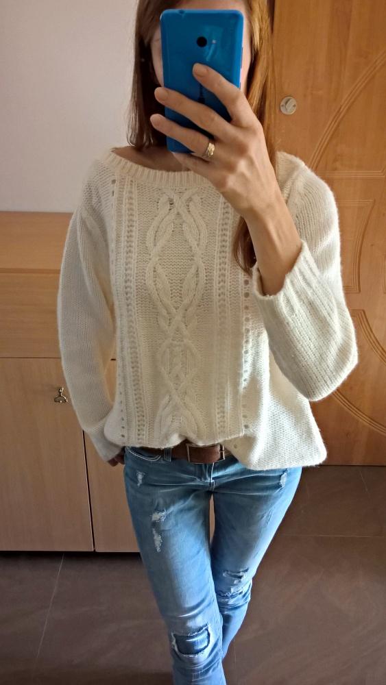 Śliczny ciepły sweterek C&A...