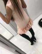 Piękna Sukienka z płatkami...