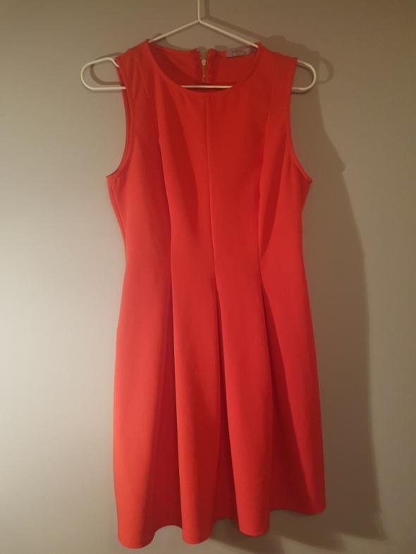 Suknie i sukienki Czerwona sukienka Bershka