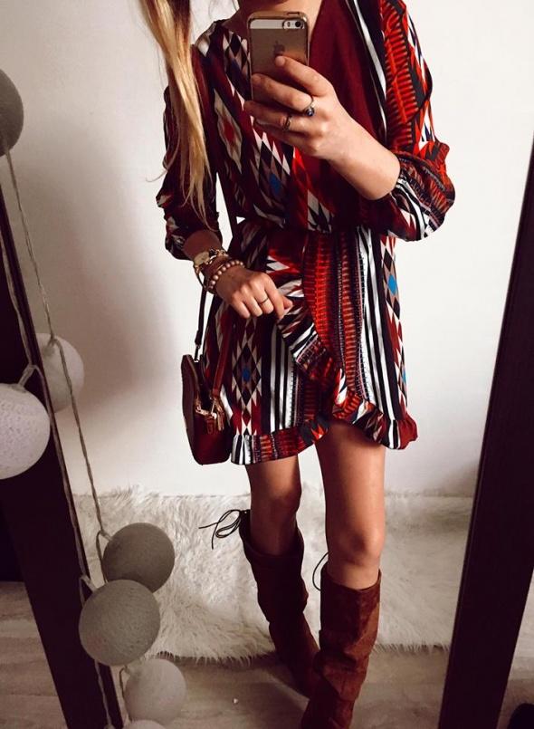 Sukienka Damska Aztecka falbany M