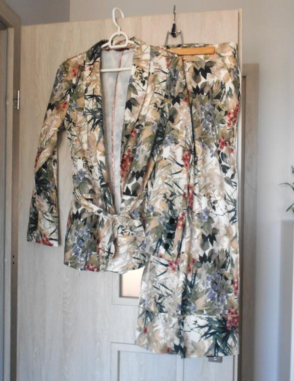 Zara nowy kwiatowy garnitur floral kwiaty