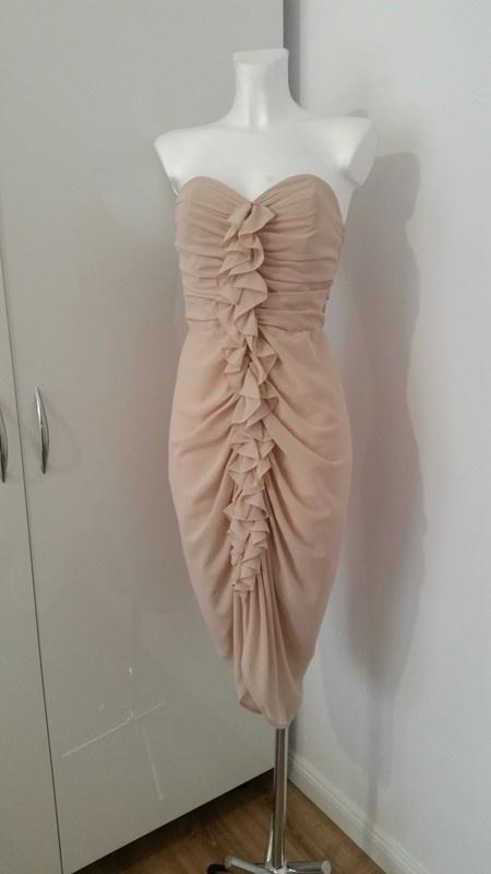 Sukienka nude dopasowana H&M z falbanka Wesele Sylwester Studniowka