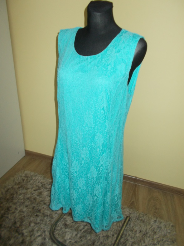 Koronkowa sukienka Peacoks 46