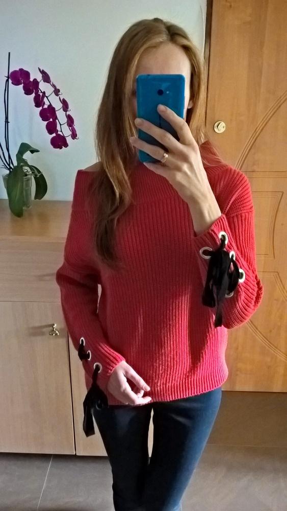 Czerwony sweterek Primark
