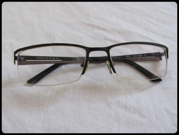 Oprawki okulary szkła o nieznanej mocy chyba minusy