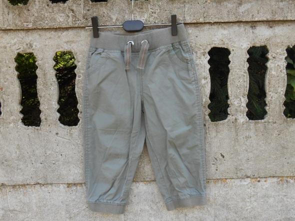 Spodnie i spodenki Spodenki 134 140 na 9 10 lat Rybaczki khaki