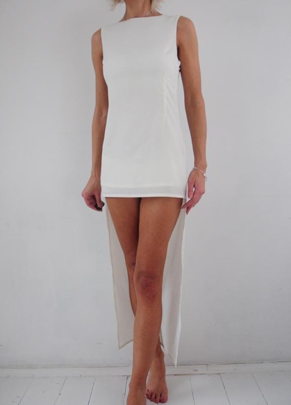 Glamorous sukienka kremowa asymetryczna