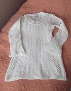 Kremowy swetr