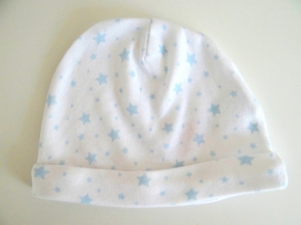 Biała czapka w gwiazdki od 0 do 3 miesięcy