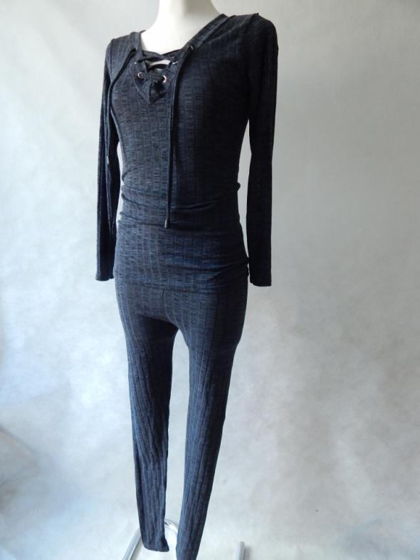 Style Sprężysty KOMPLET legginsy top 36 S