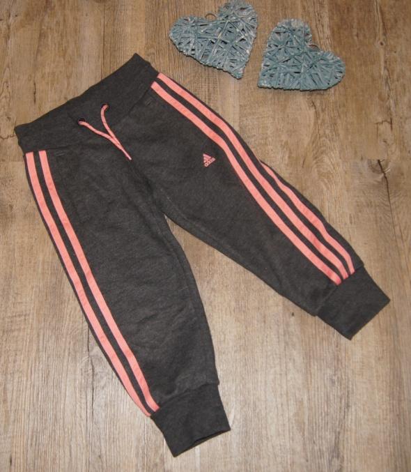 Spodnie dresowe dziewczynka Adidas rozm 104...
