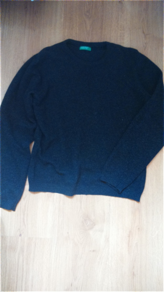 Czarny sweterek...