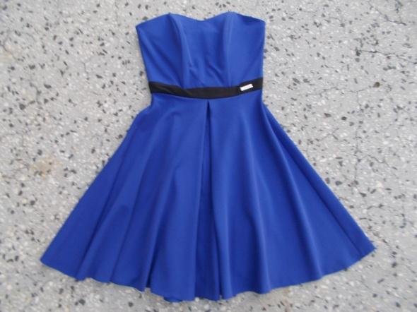 sukienka rozkloszowana XS 34