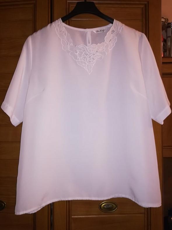 Śliczna biała bluzka dla puszystej 46