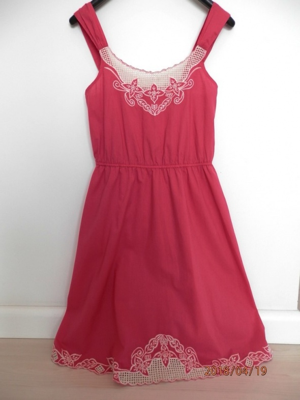 Sukienka Atmosphere Różowa Fuksja Rozkloszowana Obłędny Haft Midi M