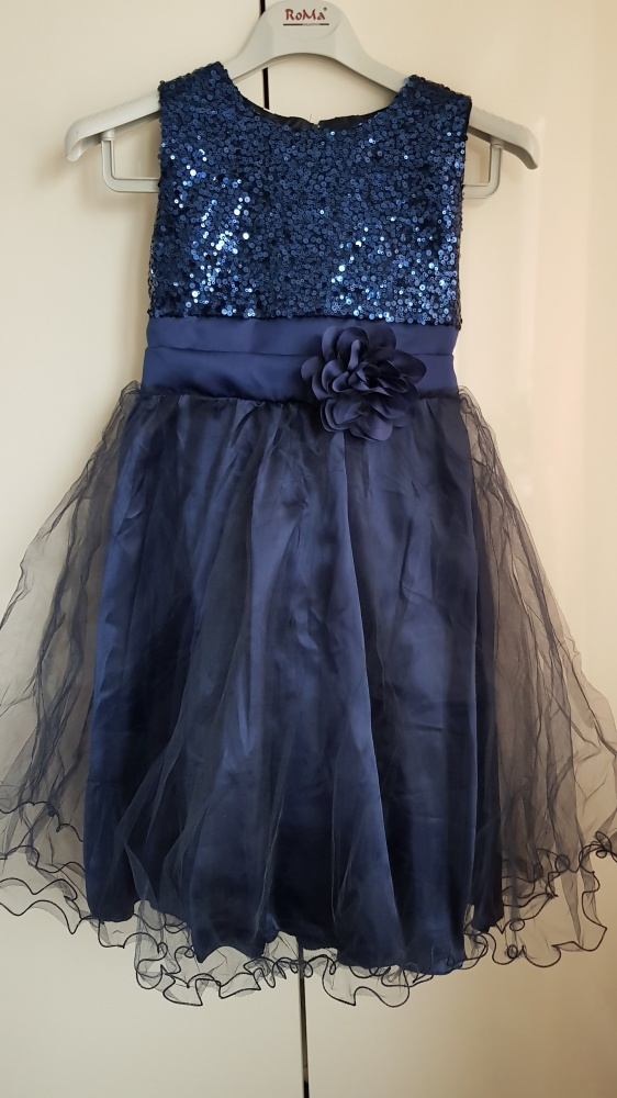 Granatowa sukienka z cekinami 130