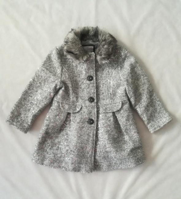 F&F srebrny płaszcz cekiny 4 5 lat