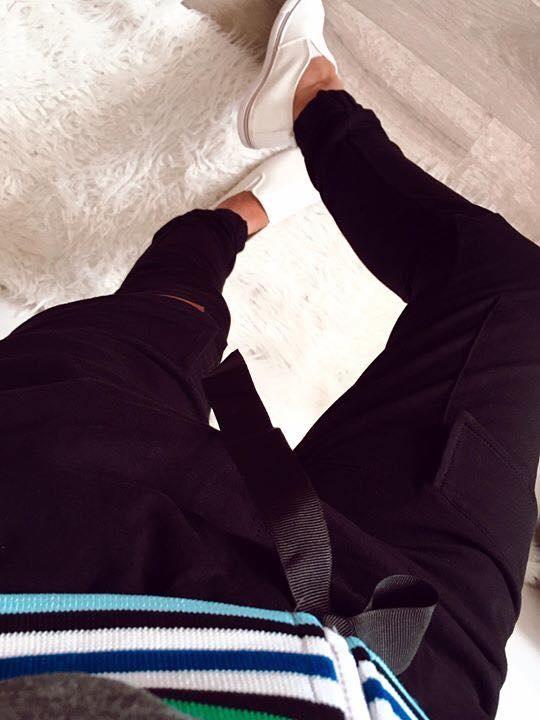 Czarne spodnie Damskie dresowe bojówki M