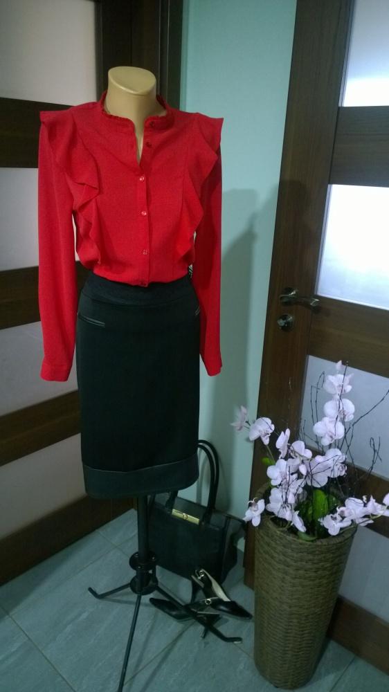 Eleganckie czerwone i czarne