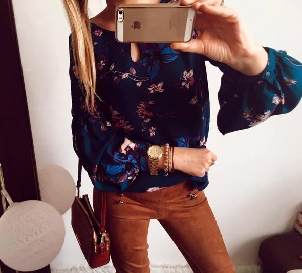 Elegancka bluzka Damska w kwiaty M