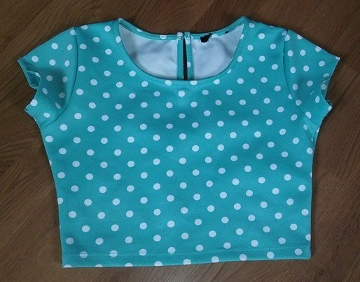 Bluzka Crop top w groszki niebieski xs 34 Amisu