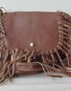 Mała brązowa torebka z frędzlami