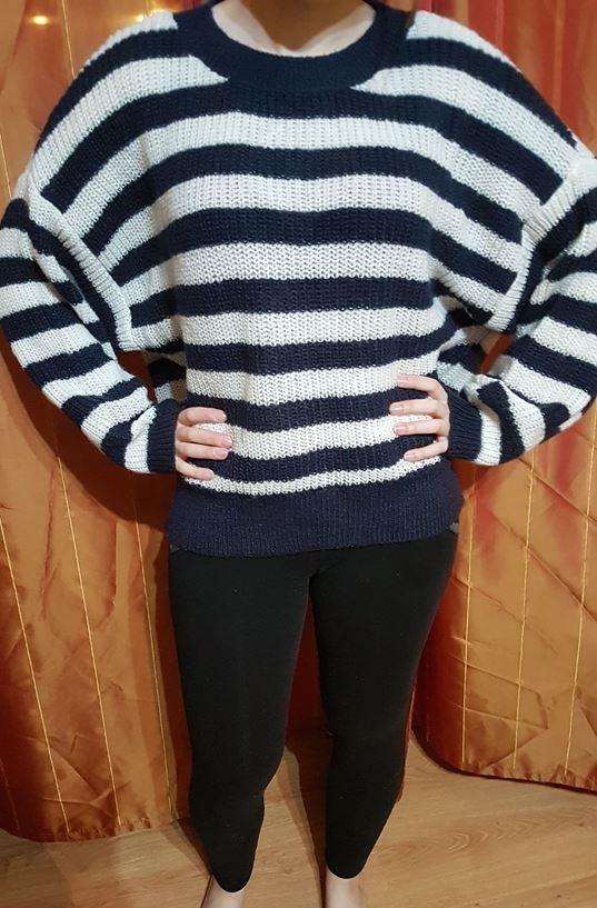 Sweter nietoperz oversize w paski