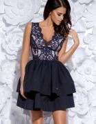Granatowa sukienka z koronkowymi wstawkami róż S 36...