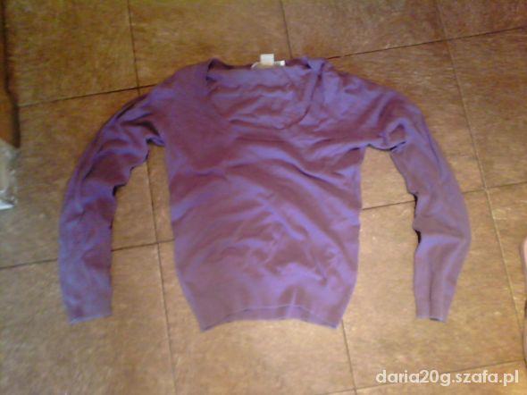 Śliczny dopasowany fioletowy sweterek Sutherland S