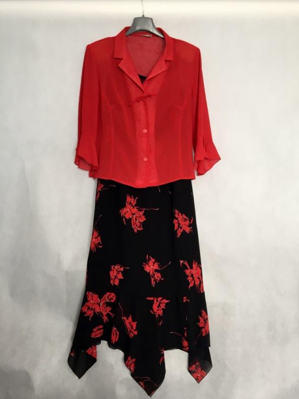 Sukienka kostium w kwiaty z żabotem r 44