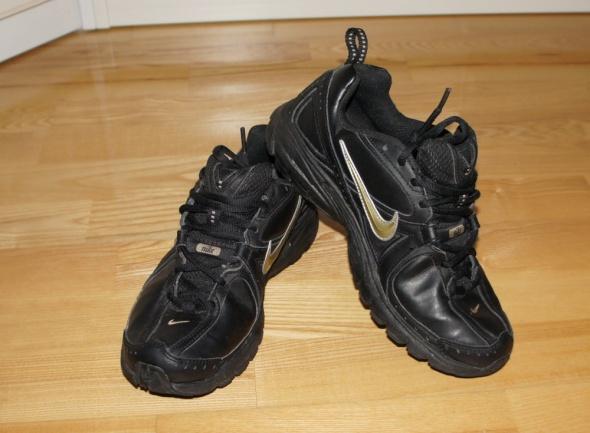 Adidasy Nike