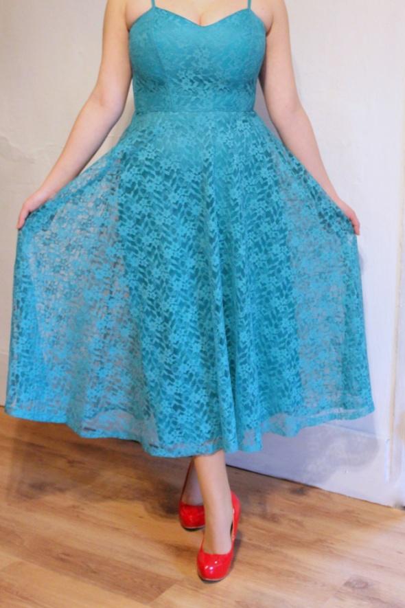 Zielona rozkloszowana koronkowa sukienka r L...