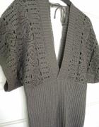 Szary ażurkowy sweterek w stylu nietoperza