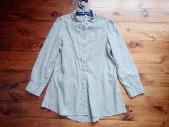 Dłuższa koszula 42